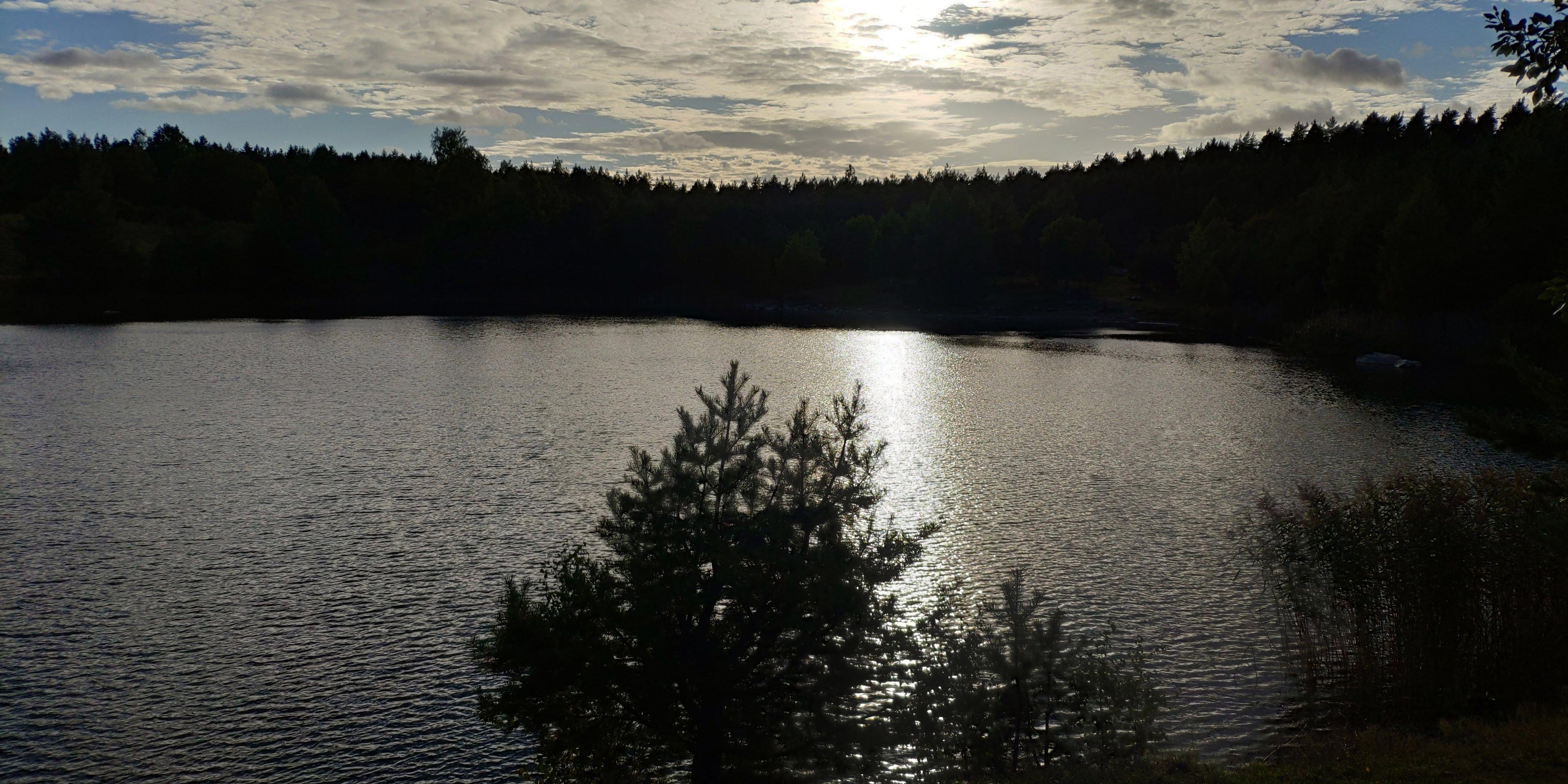 Recoin surplombant le lac